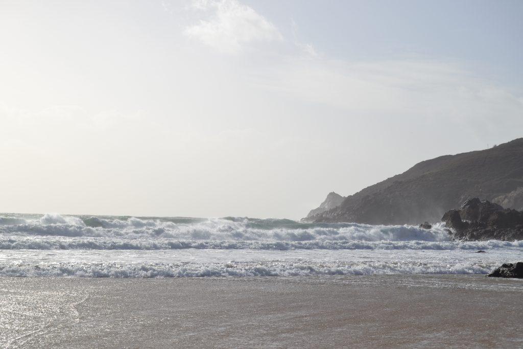 Photo de la plage au pied du pahre