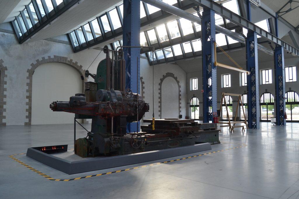 Photo d'une des anciennes machines des Ateliers