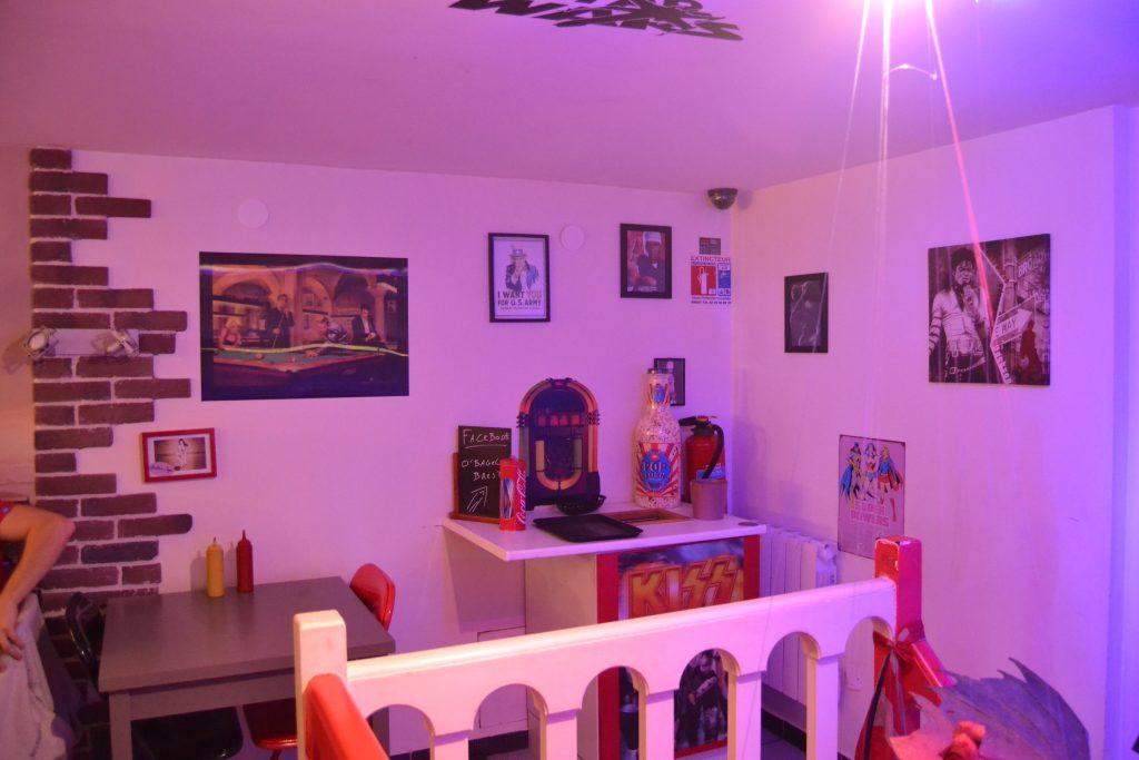 Photo du décor de la salle du haut d'O'Bagel