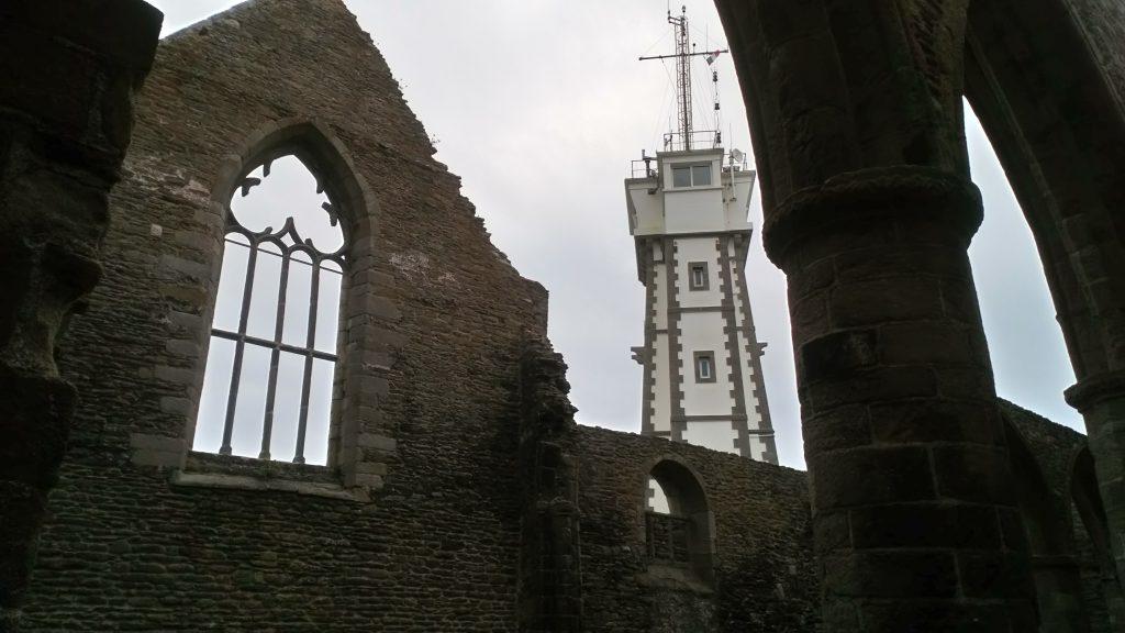 Photo du sémaphore vu depuis les ruines de l'abbaye