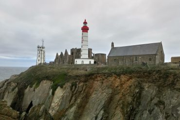 Photo du phare, de la chapelle et de l'ancienne abbaye de la Pointe-Saint Mathieu