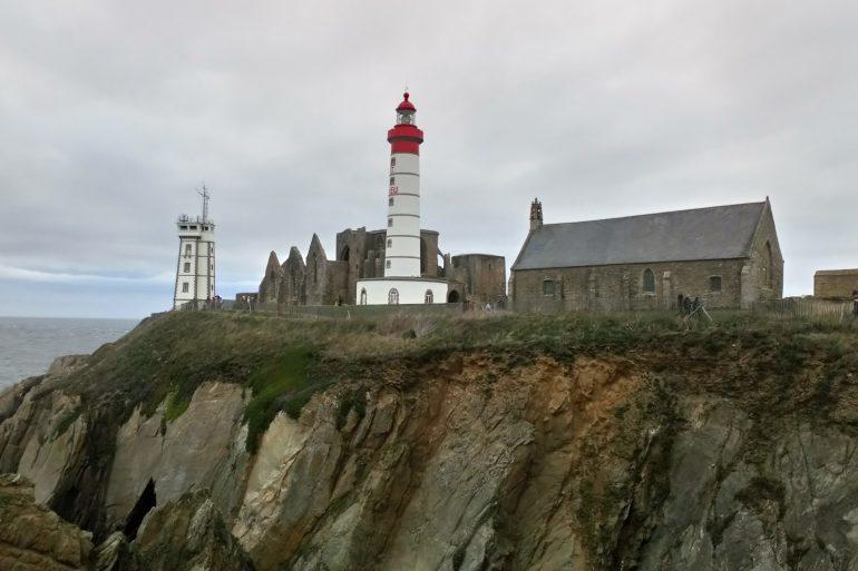 Photo du phare, de la chapelle et de l'ancienne abbaye de la Pointe-Saint Mathieu